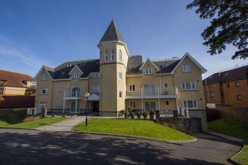 3 Bedrooms Apartment Flat for sale in Park Tower, Penarth