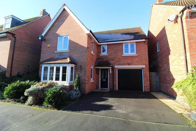 4 Bedrooms Detached House for sale in Langley Close, Bestwood Village