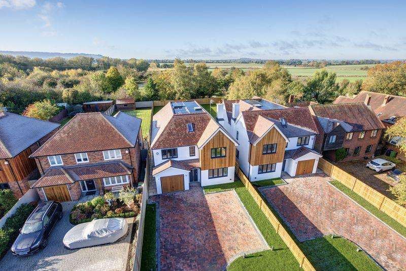 5 Bedrooms Village House for sale in Chinnor, Oxfordshire