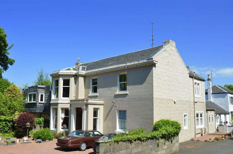 3 Bedrooms Flat for sale in Racecourse Road, Ayr