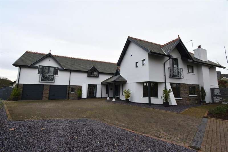 5 Bedrooms Detached House for sale in Crick, Caldicot