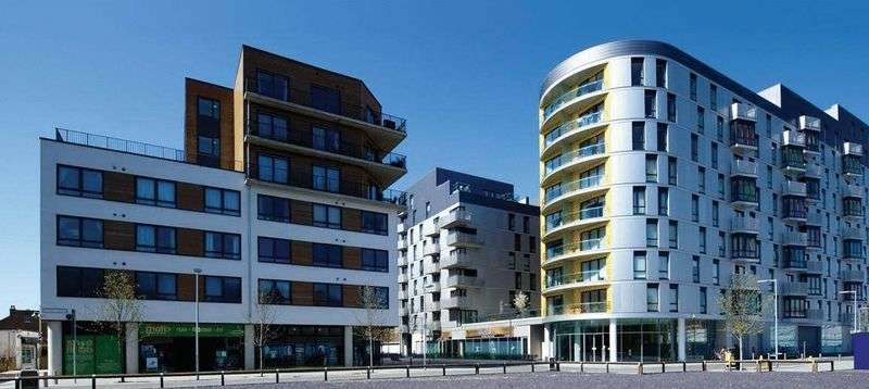 2 Bedrooms Property for sale in Chatham Place, Reading