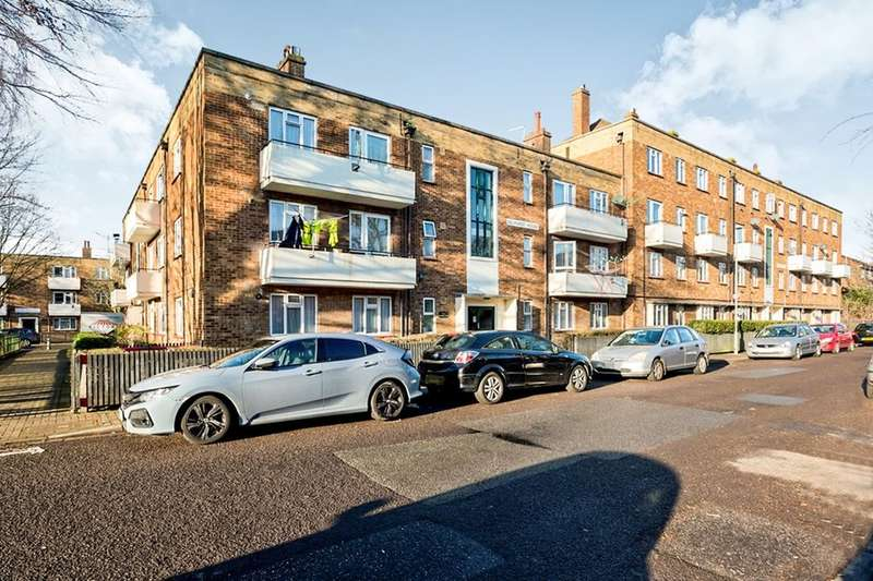 4 Bedrooms Flat for sale in Foster Road, Portsmouth, PO1
