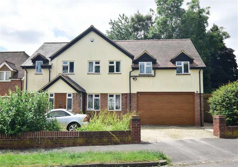5 Bedrooms Detached House for sale in Eric Avenue, Emmer Green, Reading
