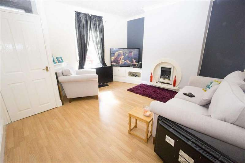 2 Bedrooms Town House for sale in Bolton Road, Westhoughton