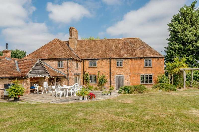 4 Bedrooms Detached House for sale in Ludgershall, Oxon/Bucks Borders