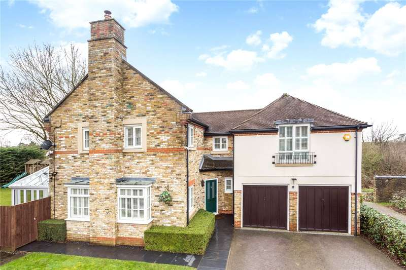 5 Bedrooms Detached House for sale in Gowrie Place, Caterham, Surrey, CR3