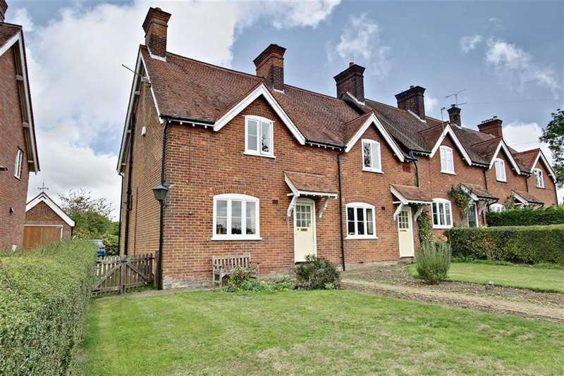 4 Bedrooms Country House Character Property for sale in Buckland Common Tring, Bucks