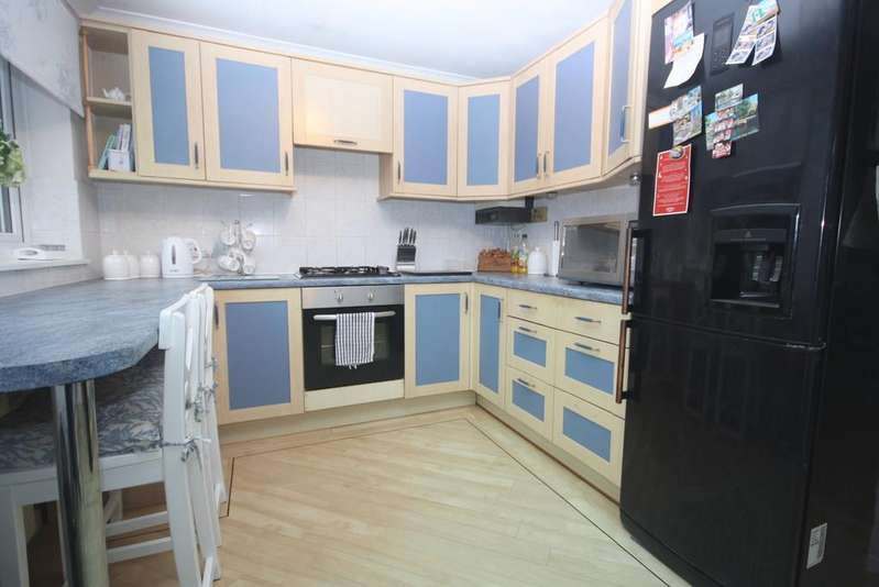 3 Bedrooms Semi Detached House for sale in Ashfield Way Luton