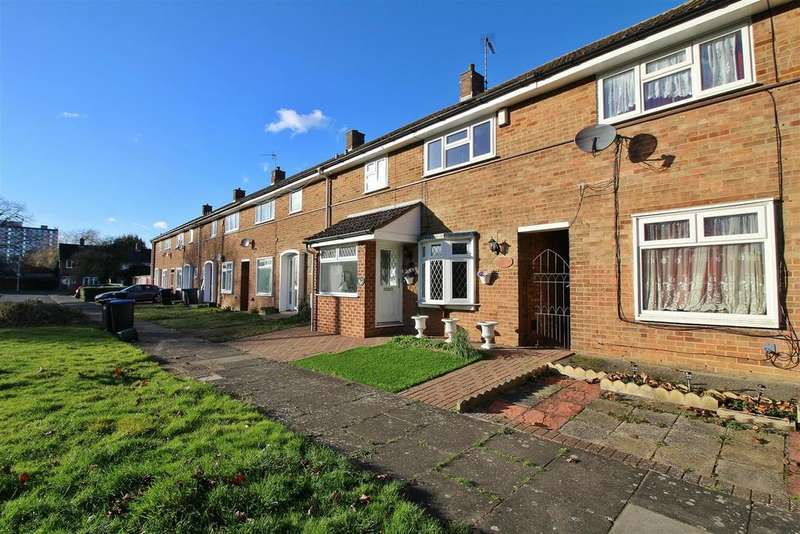 3 Bedrooms Terraced House for sale in The Hides, Harlow