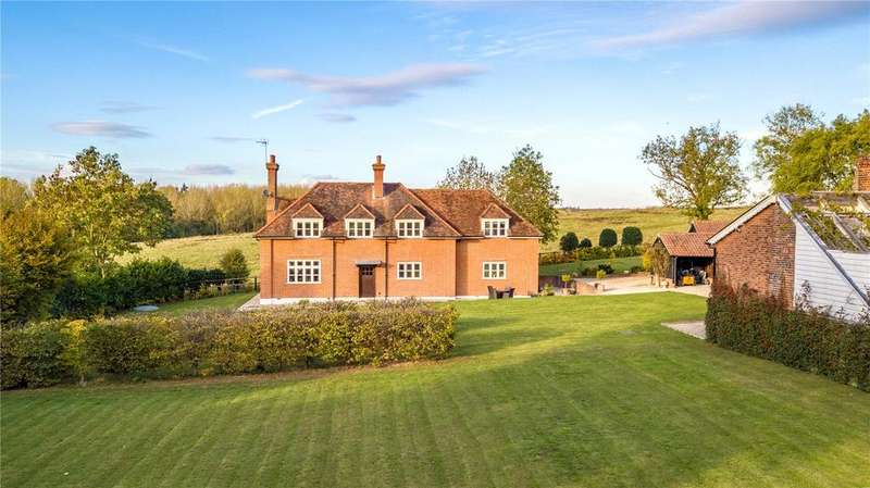 4 Bedrooms Detached House for sale in Copped Hall Estate, Epping, Essex, CM16