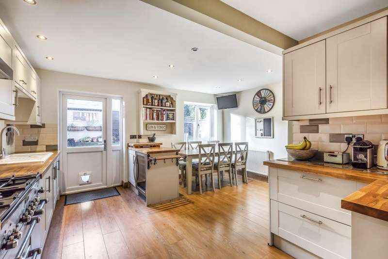 3 Bedrooms House for sale in Bracknell, Berkshire, RG12
