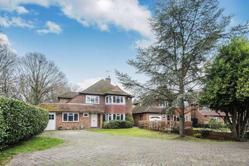 4 Bedrooms Detached House for sale in Osterley Close, Wokingham, RG40