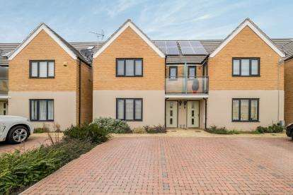 4 Bedrooms Semi Detached House for sale in South Ockendon, Essex, England