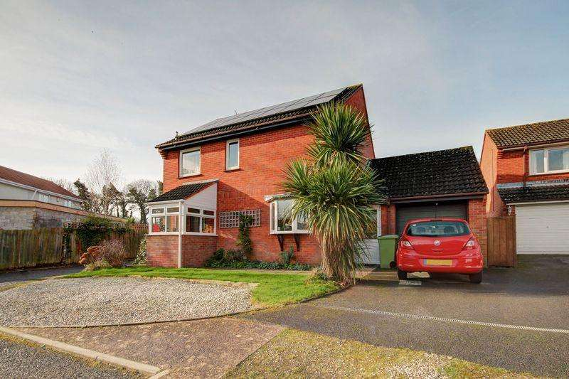 3 Bedrooms Detached House for sale in Kennford, Exeter