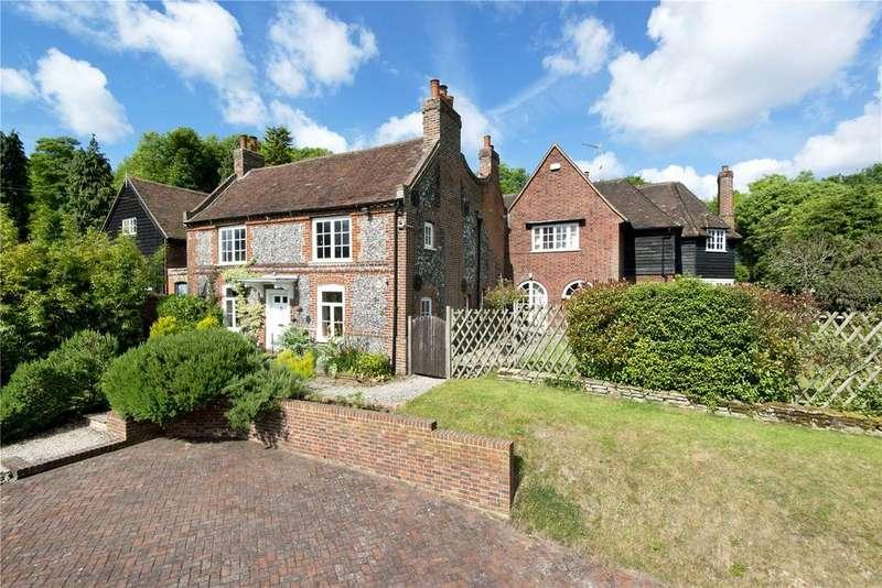 5 Bedrooms Detached House for sale in Sparepenny Lane, Farningham, Kent, DA4