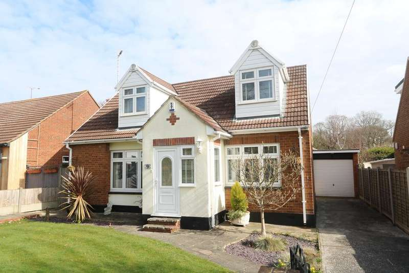 3 Bedrooms Detached House for sale in Shepherds Walk, Hadleigh, SS7