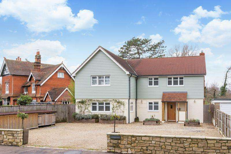 5 Bedrooms Detached House for sale in Nyewood, Petersfield