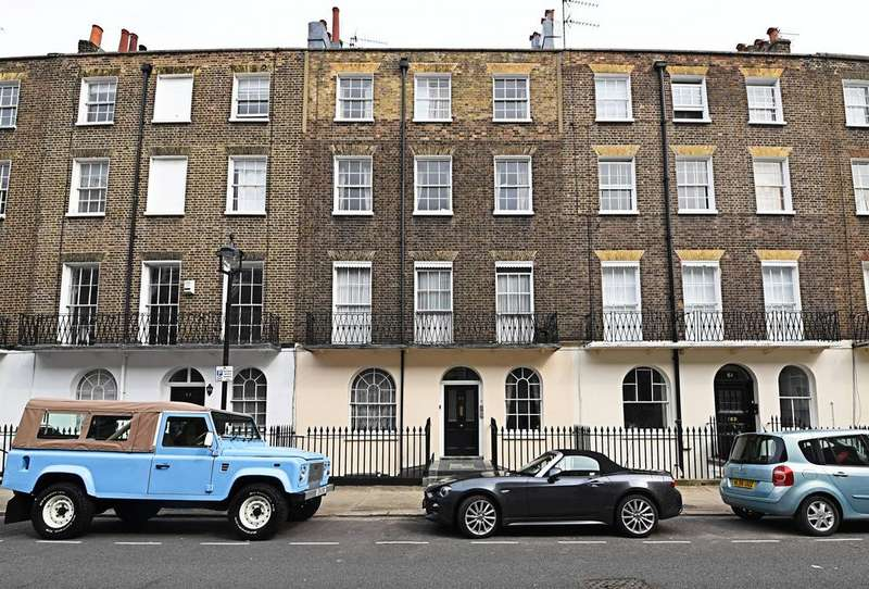3 Bedrooms Flat for sale in Balcombe Street, London, NW1