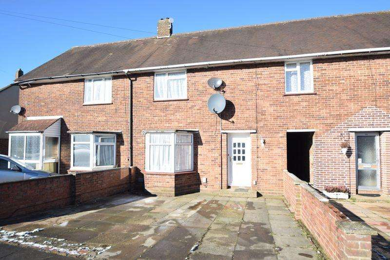 3 Bedrooms Terraced House for sale in Longcroft Road, Luton