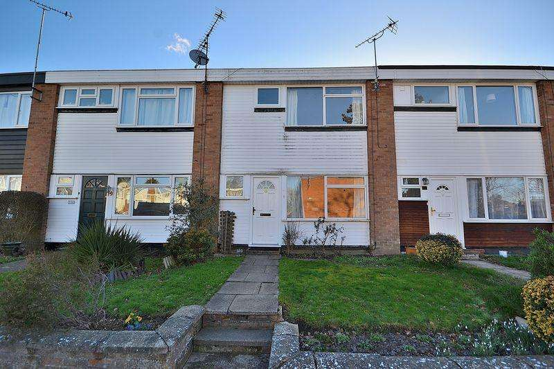 3 Bedrooms Terraced House for sale in Just off Heath Road, new kitchen and a garage to rear...