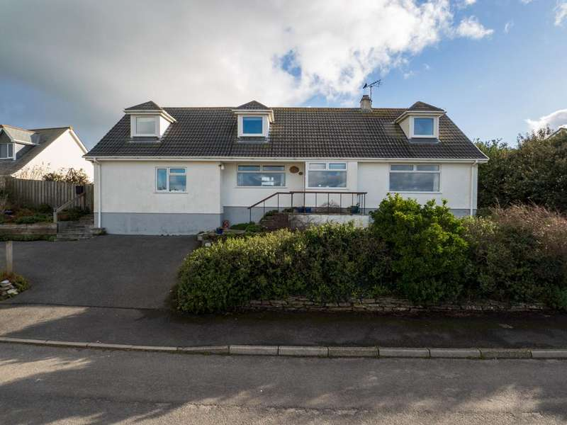 6 Bedrooms Detached House for sale in 18 Trenant Close, Polzeath, Wadebridge PL27