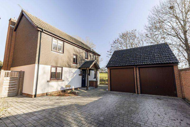 3 Bedrooms Detached House for sale in Oldfield View, Hook