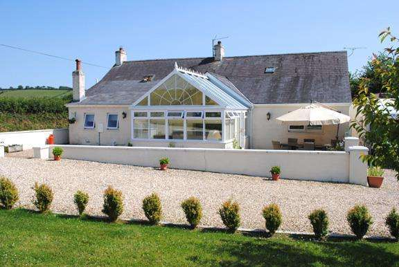 5 Bedrooms Smallholding Commercial for sale in Skanda Vale Road, Llanpumsaint, Nr Carmarthen