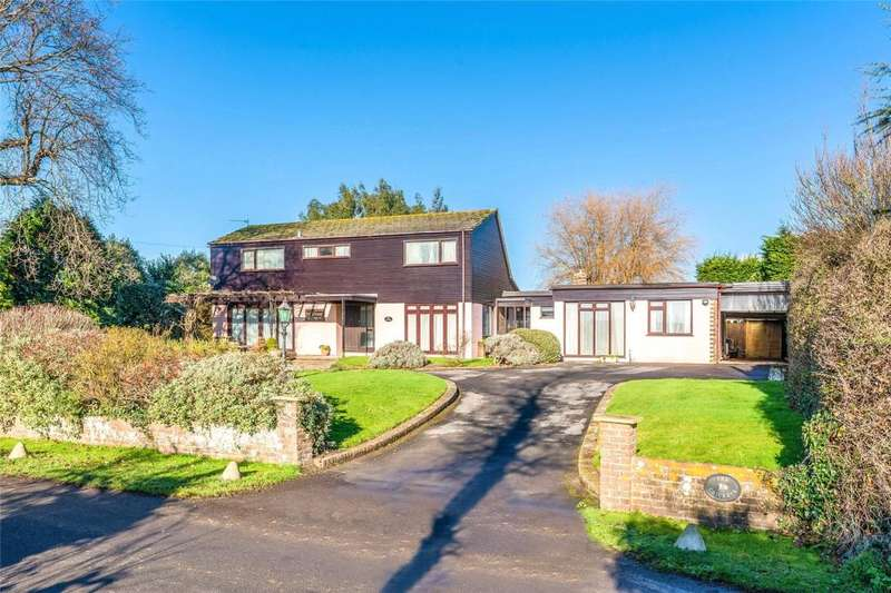 4 Bedrooms Detached House for sale in Hoe Lane, Flansham, West Sussex, PO22