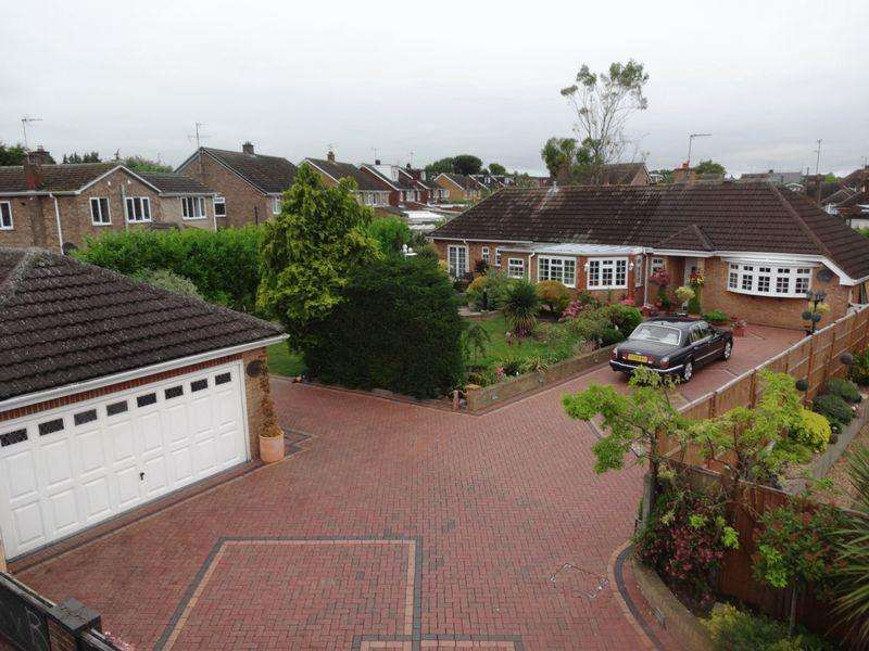 4 Bedrooms Detached Bungalow for sale in Sundon Road.
