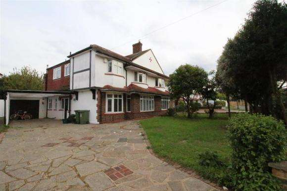 5 Bedrooms Property for sale in Braundton Avenue, Sidcup