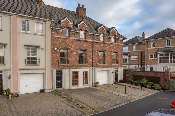 5 Bedrooms Property for sale in 15 Berkeley Hall Place, Lisburn