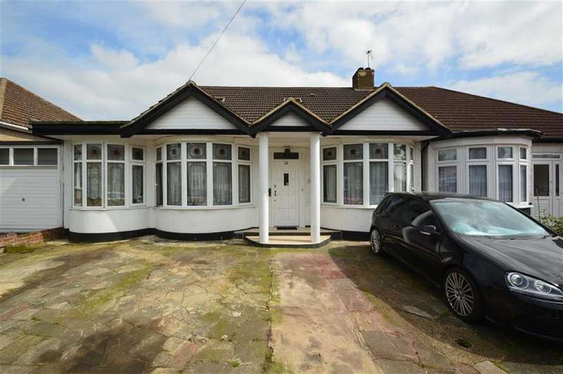 5 Bedrooms Semi Detached Bungalow for sale in Whitney Avenue, Redbridge, Essex, IG4