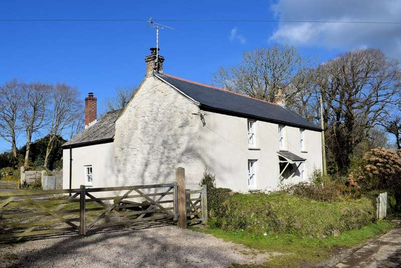 3 Bedrooms Property for sale in 2 Coswinsawsin Lane Carnhell Green Camborne Cornwall TR14 0LW