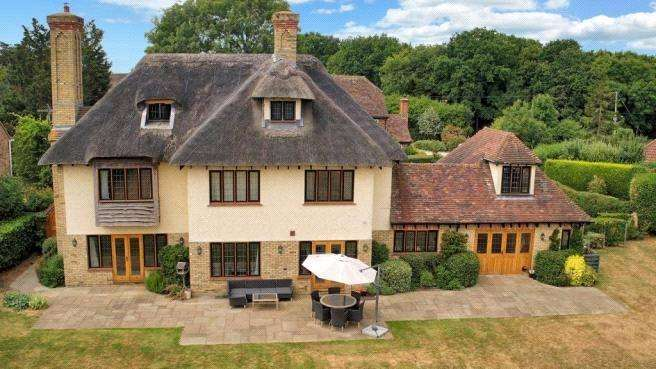 6 Bedrooms Detached House for sale in Stonerock Close, Sturry, Canterbury, Kent