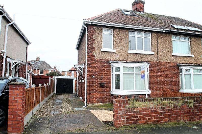 3 Bedrooms Semi Detached House for sale in Hambleton Square, Billingham