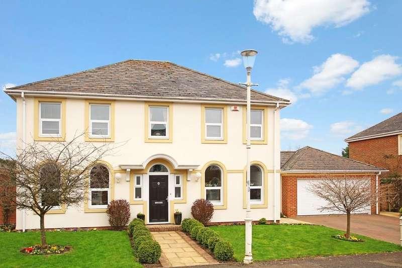 4 Bedrooms Detached House for sale in Ayleswater, Aylesbury