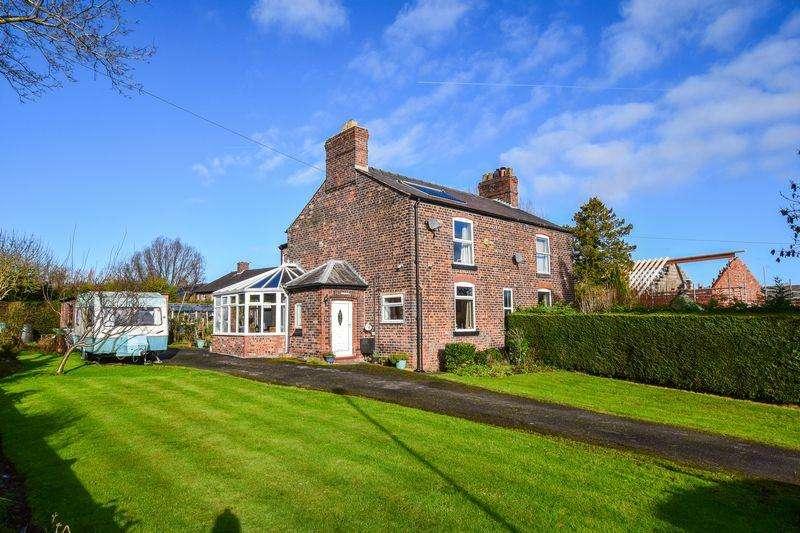2 Bedrooms Semi Detached House for sale in Rosewood, Sandy Lane, Preston Brook