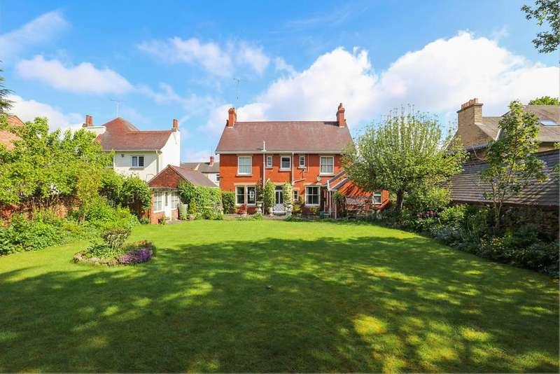5 Bedrooms Detached House for sale in Station Road, Eckington