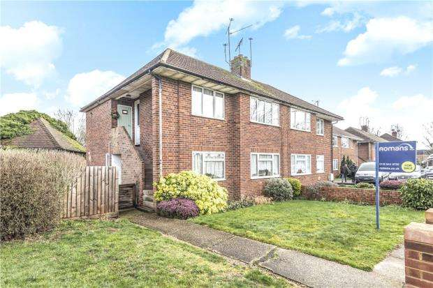 2 Bedrooms Apartment Flat for sale in Headley Road, Woodley, Reading