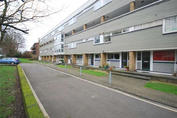 2 Bedrooms Flat for sale in Beckenham Court, The Avenue, BECKENHAM, Kent