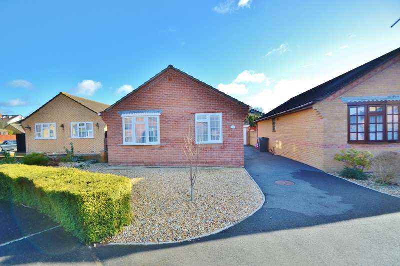 2 Bedrooms Bungalow for sale in Ensbury Park