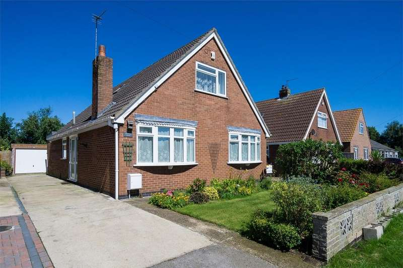 3 Bedrooms Detached Bungalow for sale in Northside Road, Hollym, East Riding of Yorkshire
