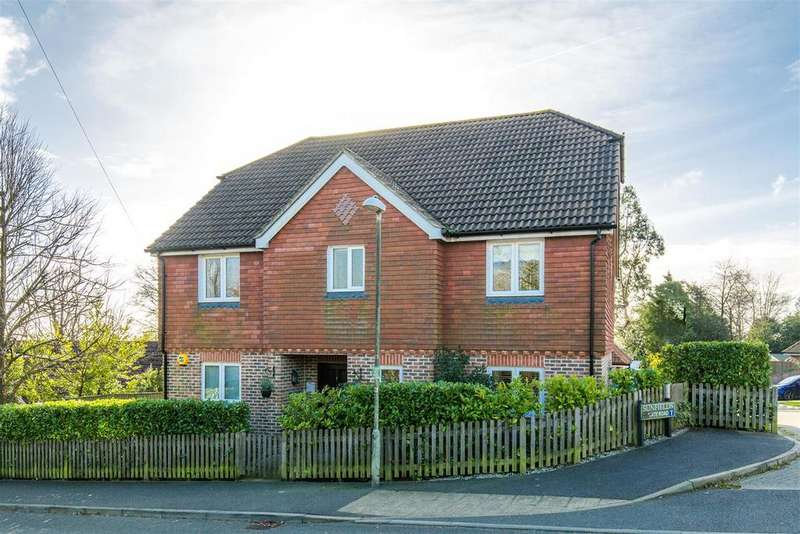 4 Bedrooms Detached House for sale in Green Lane, Heathfield