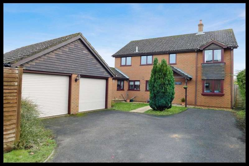 4 Bedrooms Detached House for sale in Calmore Road, Old Calmore, Southampton SO40
