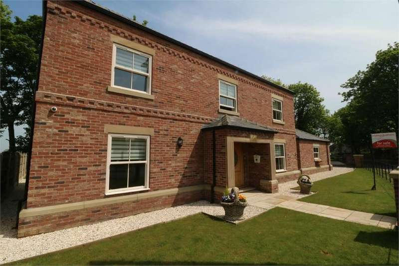 4 Bedrooms Detached House for sale in Campsall Cottage, Churchfield Road, Campsall, DONCASTER, South Yorkshire