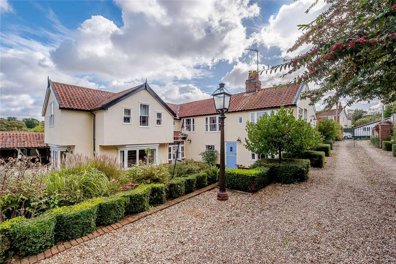 5 Bedrooms Detached House for sale in The Street, Tuddenham, Ipswich