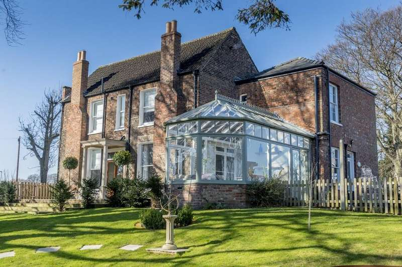 5 Bedrooms Detached House for sale in Mount Drive, Wisbech