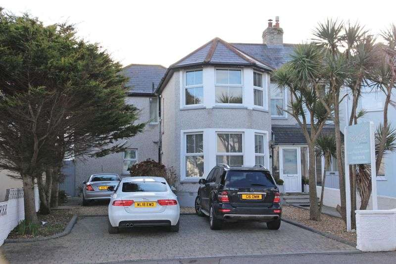 5 Bedrooms Property for sale in Pentire Avenue, Newquay