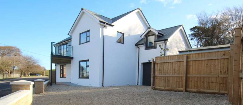 5 Bedrooms Detached House for sale in Marine Parade, Instow